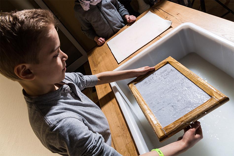 bibelmuseum papierschoepfen 005 - Home