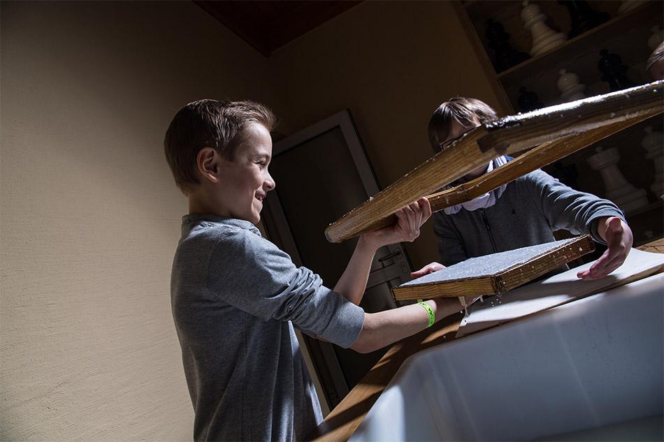bibelmuseum papierschoepfen 007 - Home